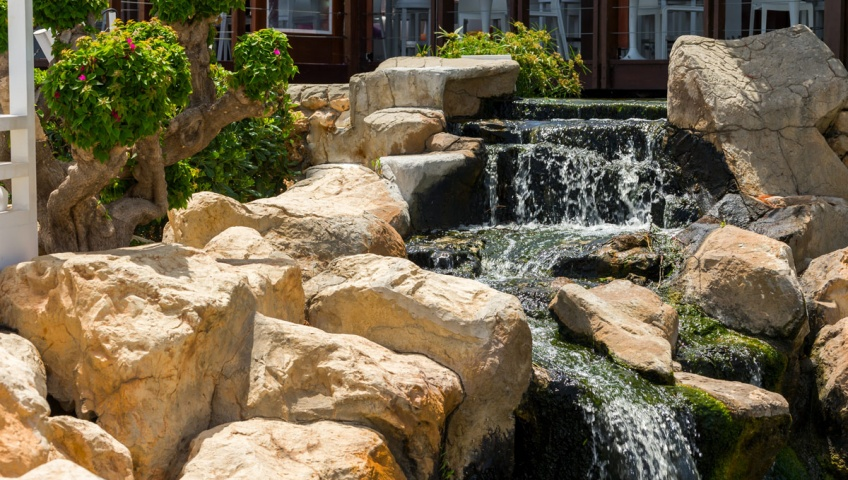 Landscaping tips that will make you stand out in 2017 for Landscaping rock evansville in